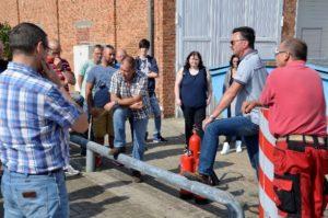 Durch die Mitarbeiter der Firma Neubrandenburger Feuerschutz Herrn Gerhardt, Herrn Kaddatz und Herrn Liening wurde das Thema Brandschutz sowohl in der Theorie als auch in der Praxis vermittelt.